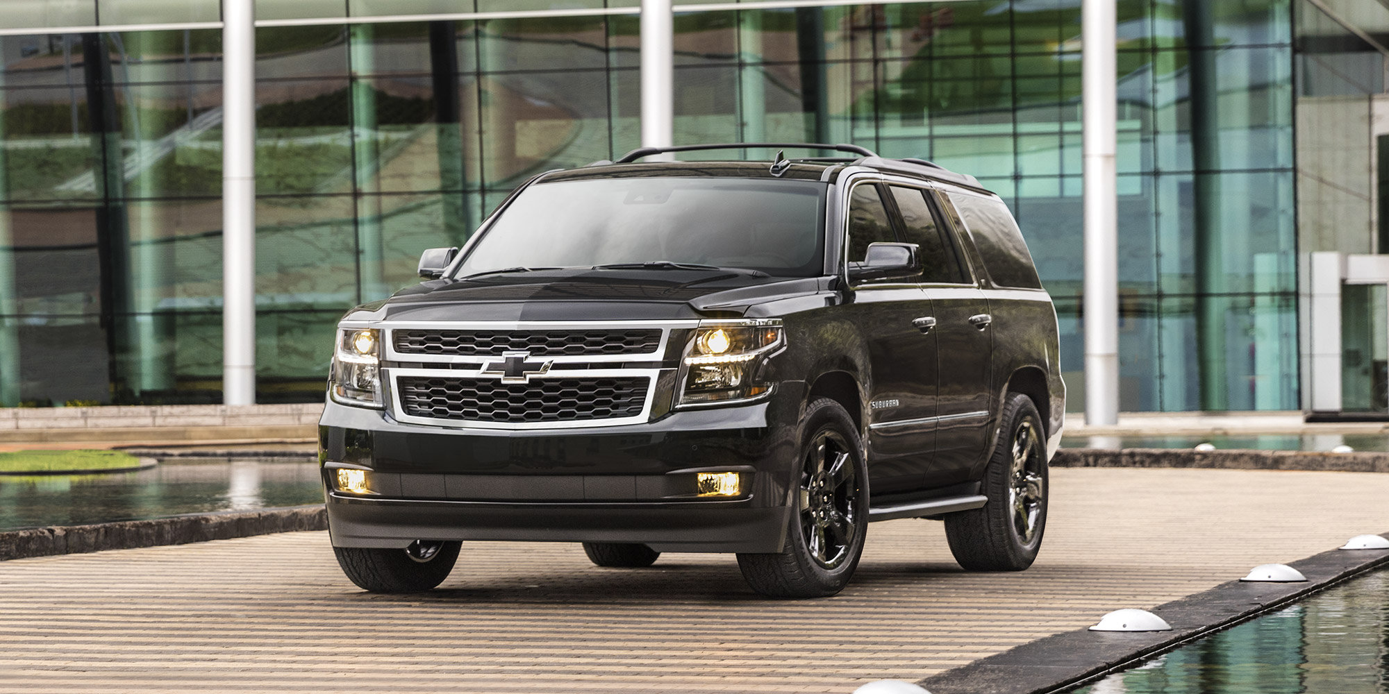 Experience 2018 Chevrolet Suburban Libertyville IL