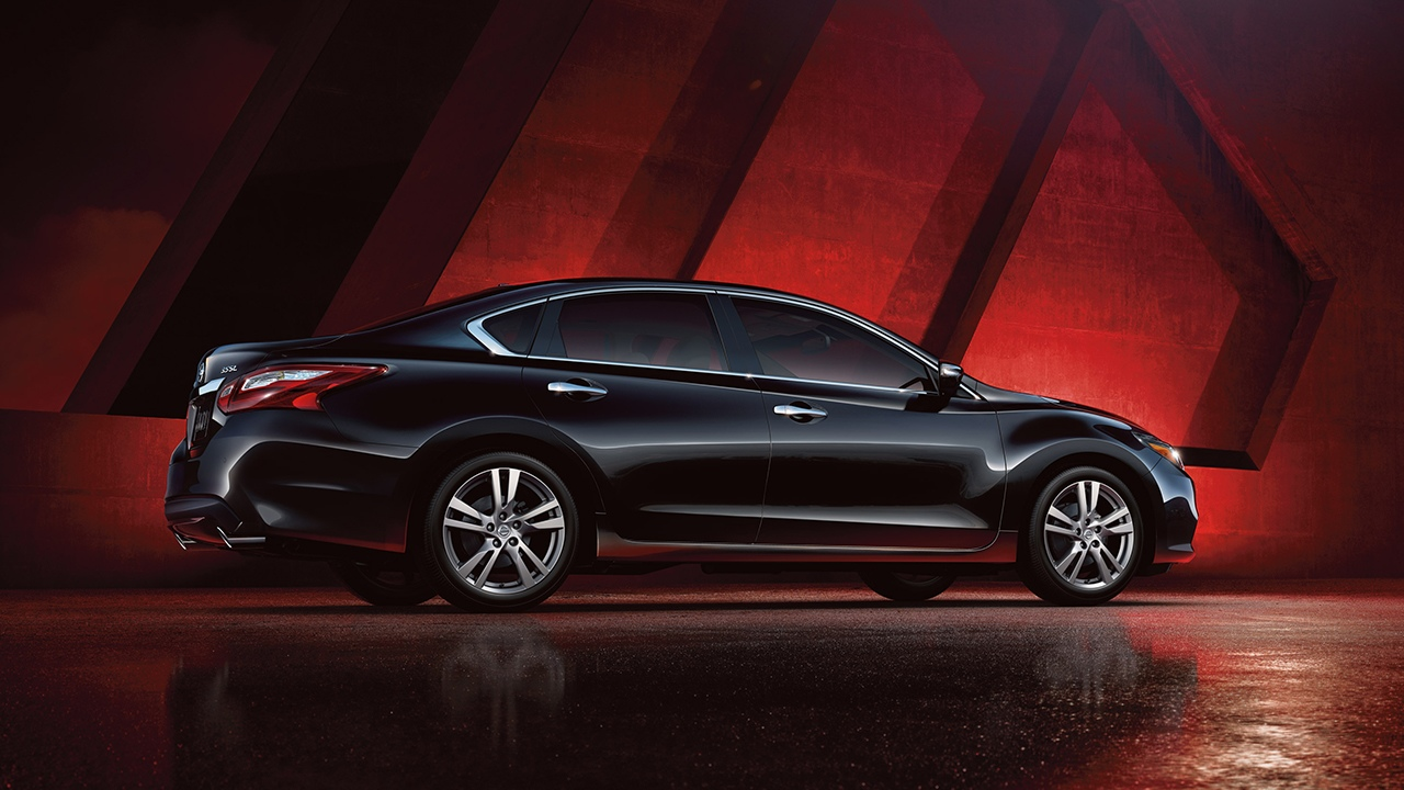 Crystal Lake IL - 2018 Nissan Altima OVERVIEW