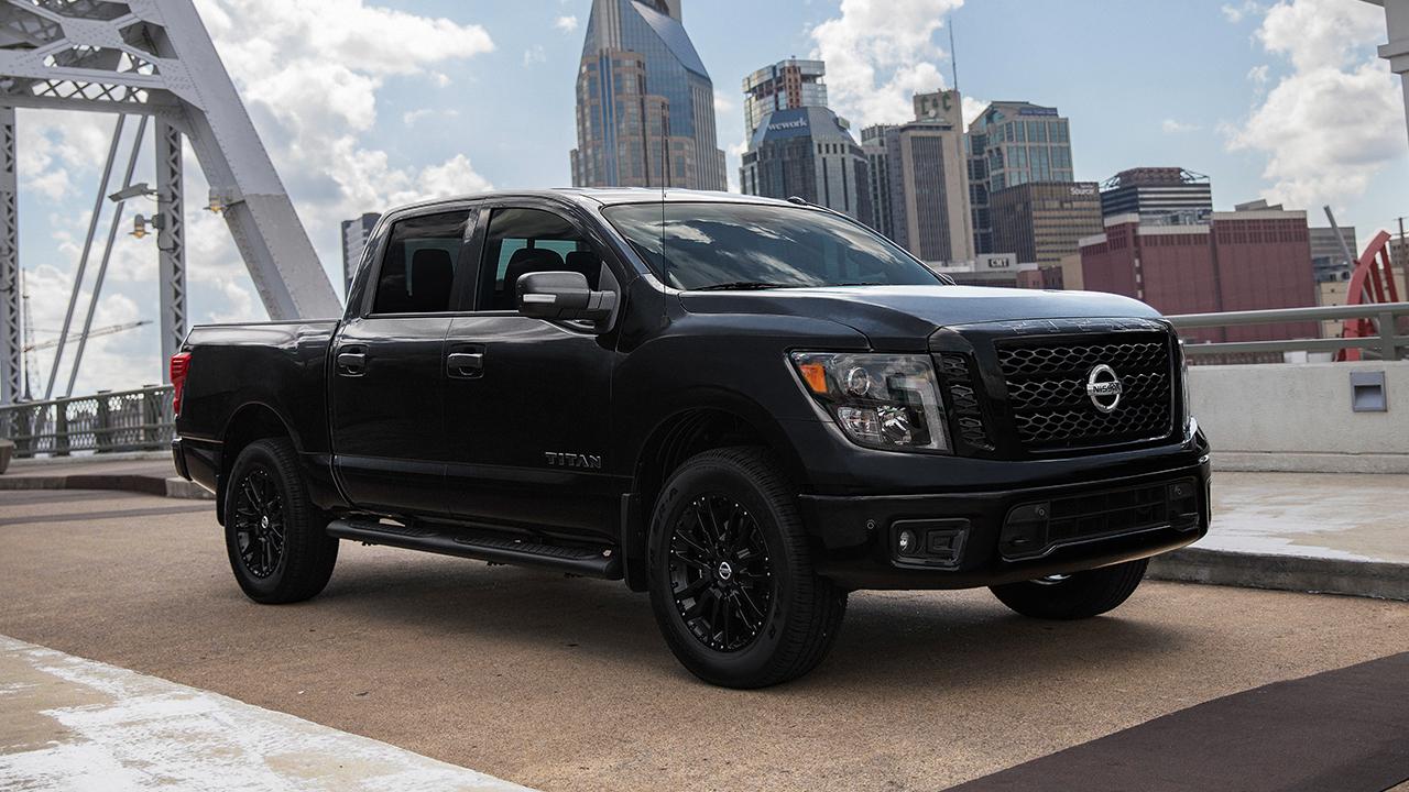 2018 Nissan Midnight Edition Trucks near Chicago IL