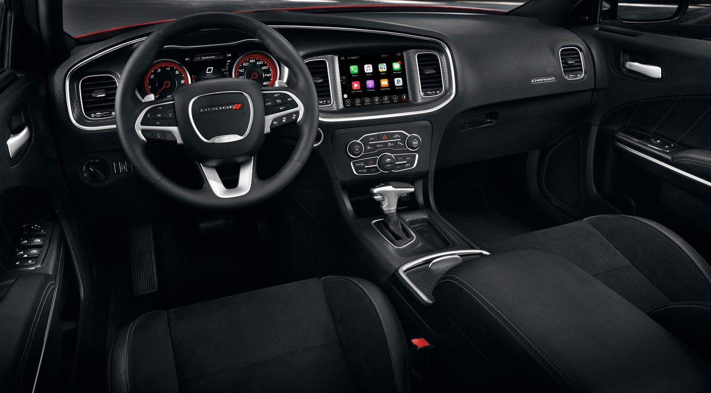 Dodge dealer near Crystal Lake IL - 2017 Dodge Charger Interior