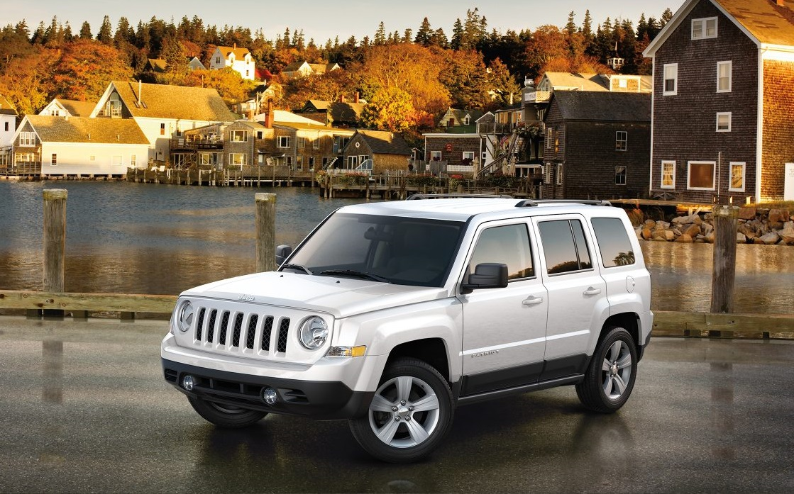 Glendale Heights IL - 2017 Jeep Patriot Exterior