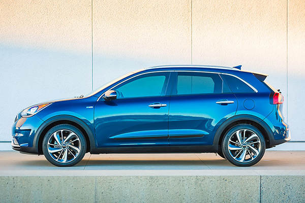 Greenwood Village CO - 2017 KIA Niro's Exterior