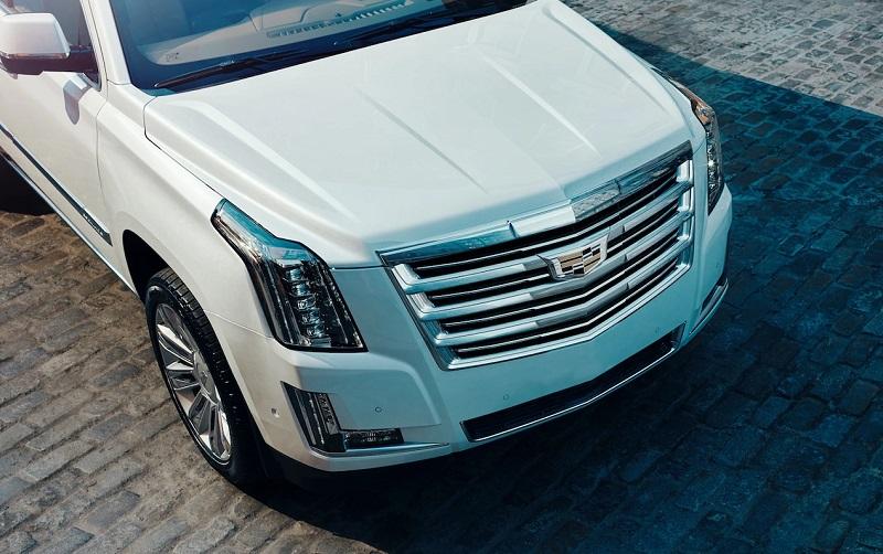 Maquoketa IA - 2018 Cadillac Escalade Exterior