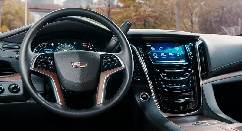 Maquoketa IA - 2018 Cadillac Escalade Interior