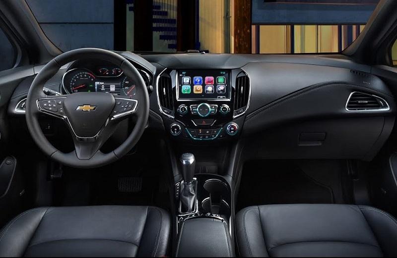 Dubuque IA - 2018 Chevrolet Cruze Interior