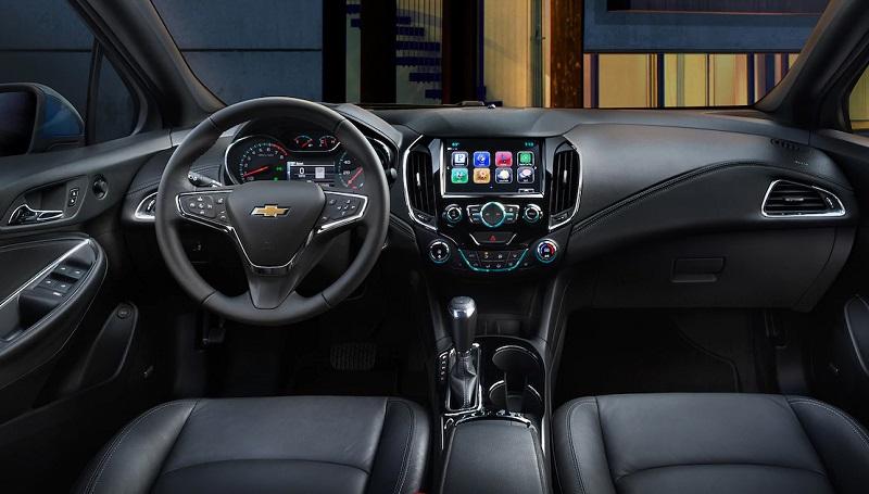 Clinton IA - 2018 Chevrolet Cruze Interior