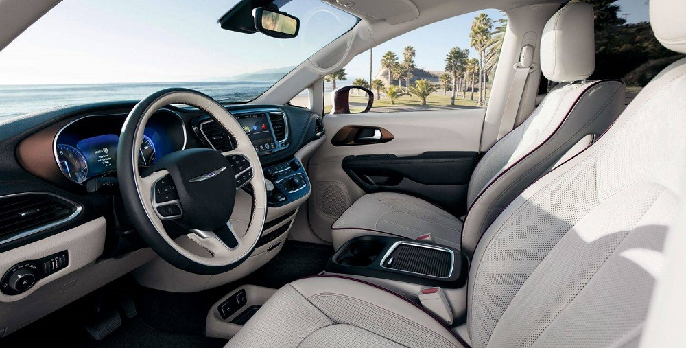Chicagoland IL - 2018 Chrysler Pacifica Hybrid's Interior