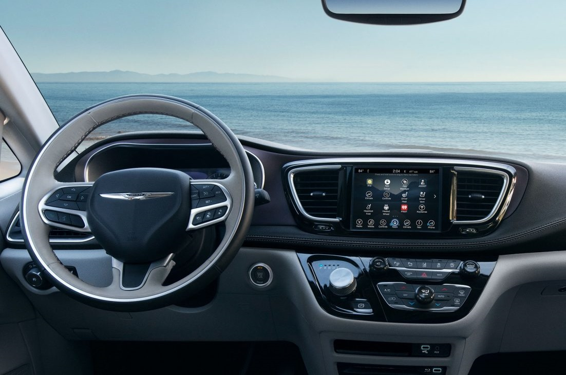 Gurnee Area - 2018 Chrysler Pacifica Hybrid's Interior