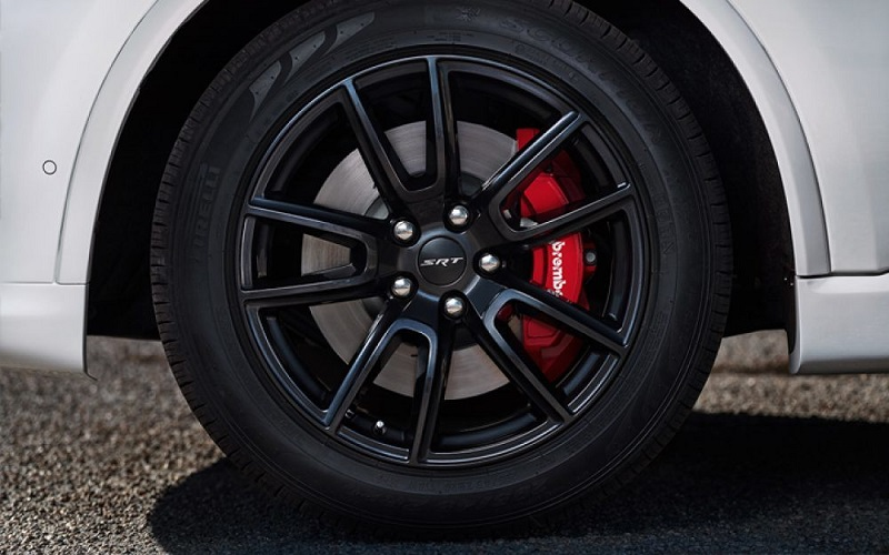 Westbury NY - 2018 Dodge Durango SRT's Exterior
