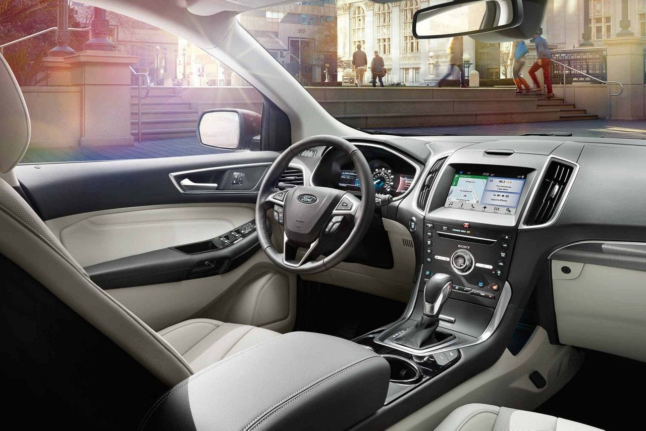 Maquoketa IA - 2018 Ford Edge Interior