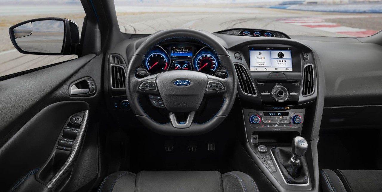 Dubuque IA - 2019 Ford Focus Interior