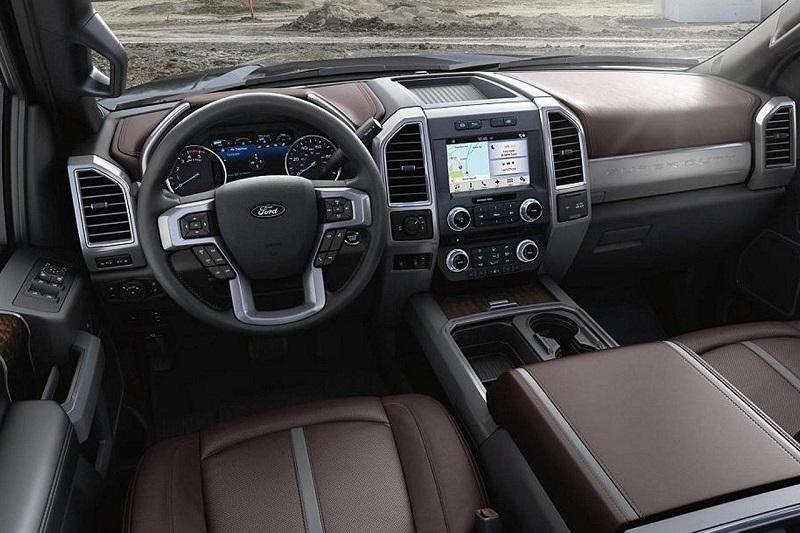 Maquoketa IA - 2018 Ford Super Duty Interior