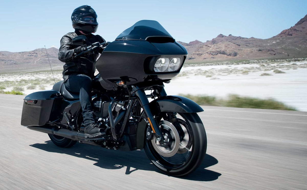 Powerful Performance - Harley Davidson Touring Road Glide Special near Annapolis
