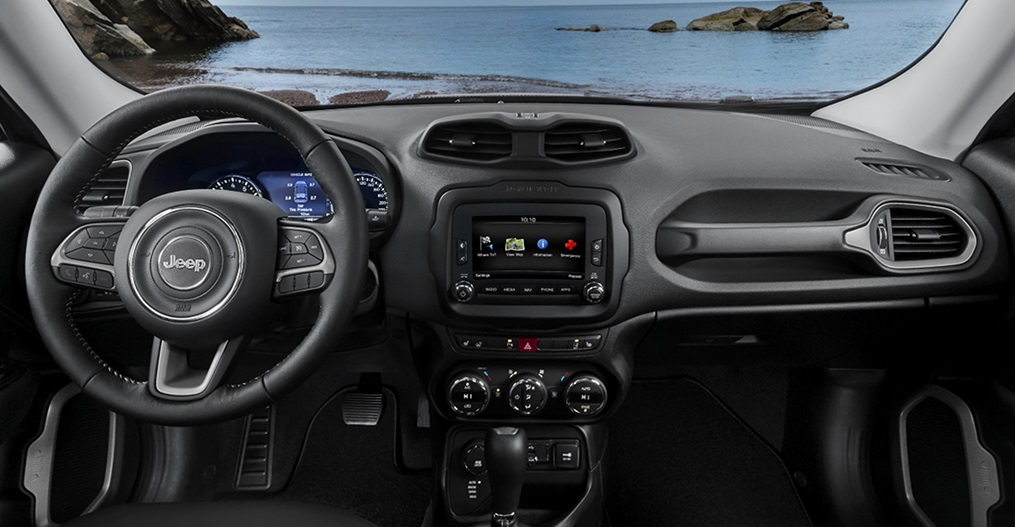 Boulder CO - 2018 Jeep Renegade's Interior