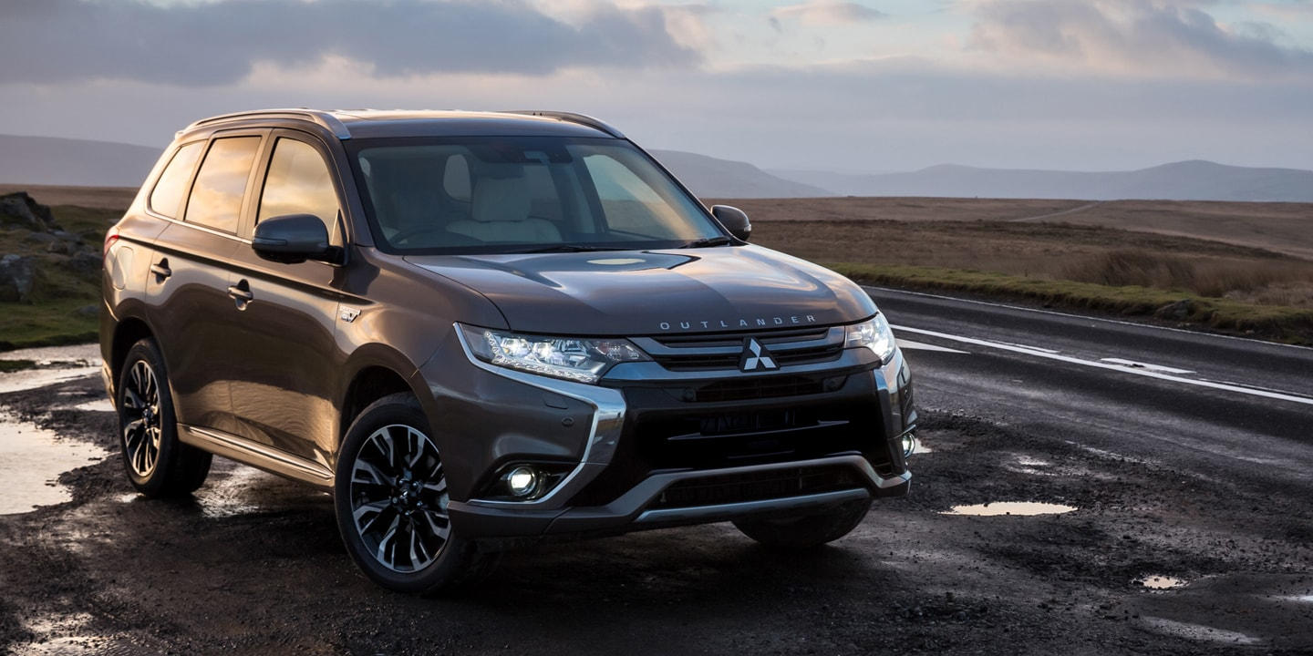Aurora CO Area 2018 Mitsubishi Outlander PHEV