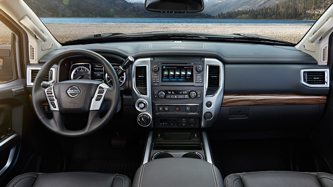 Interior - 2018 Nissan Titan by Topeka KS - Marshall ...