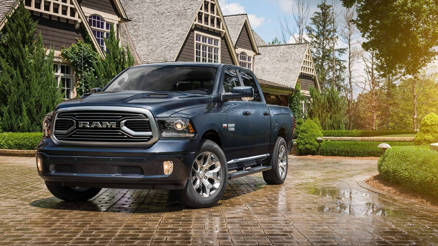 Fort Wayne IN - 2018 RAM Limited Tungsten Edition's Exterior