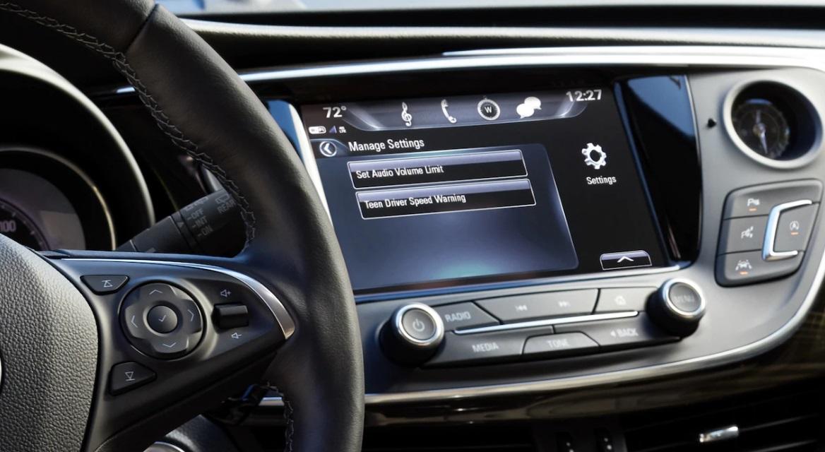 Dubuque Iowa - 2019 Buick Envision Interior