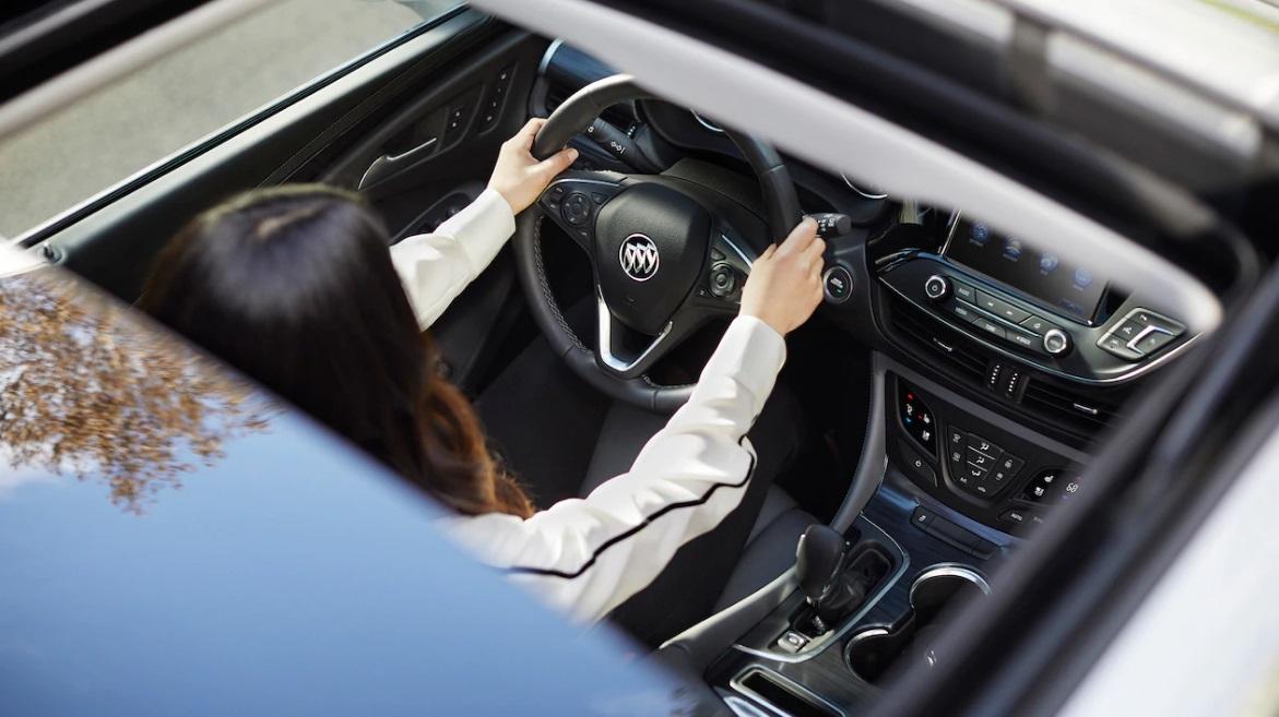 Dewitt IA - 2019 Buick Envision Interior
