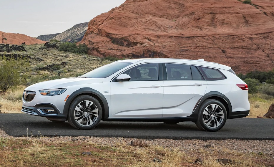 Buick Dealership near Clinton IA - 2019 Buick Regal TourX