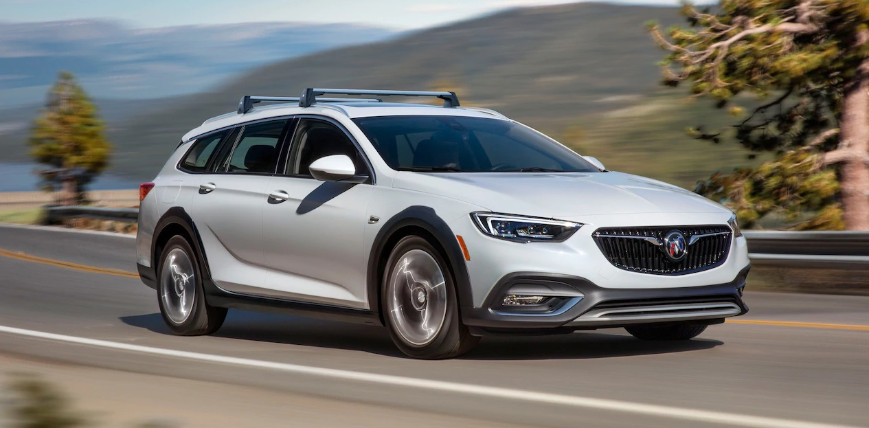 Maquoketa IA - 2019 Buick Regal TOURX's Overview