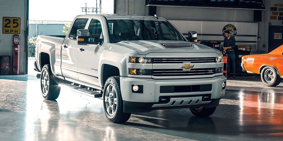 Research 2019 Chevrolet Silverado HD in Maquoketa IA