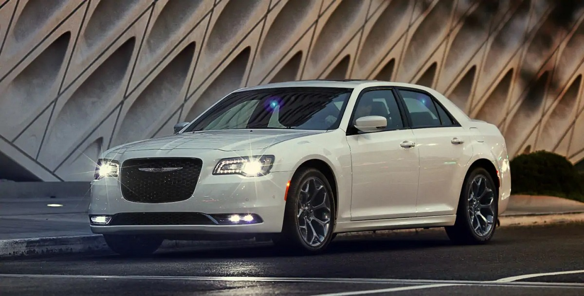 2019 Chrysler 300 Lease and Specials in Antioch Illinois