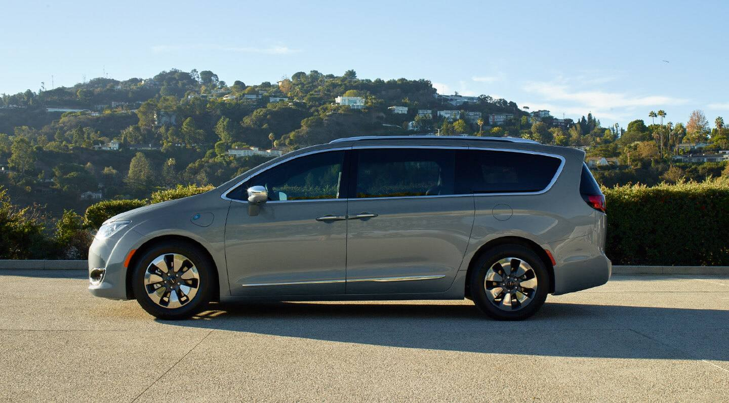 Antioch Illinois - 2019 Chrysler Pacifica Hybrid