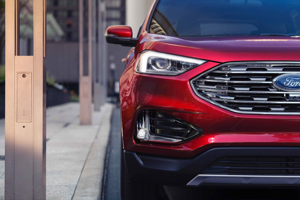 Dewitt IA - 2019 Ford Edge Exterior