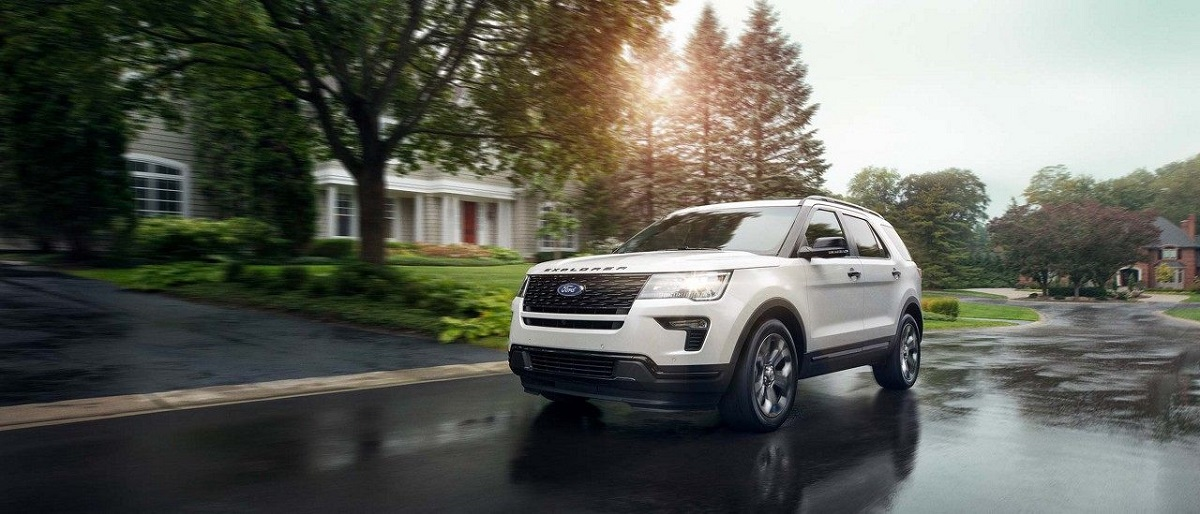 Why LEASE 2019 Ford Explorer near Davenport Iowa