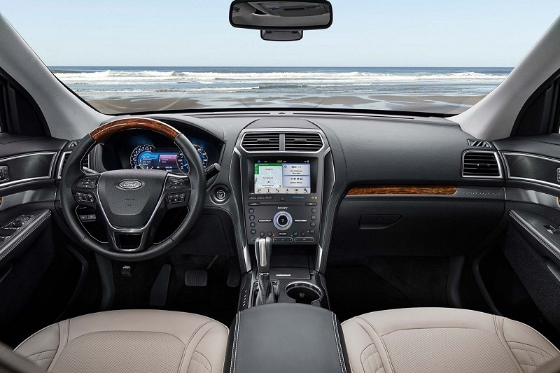 Maquoketa IA - 2019 Ford Explorer Interior