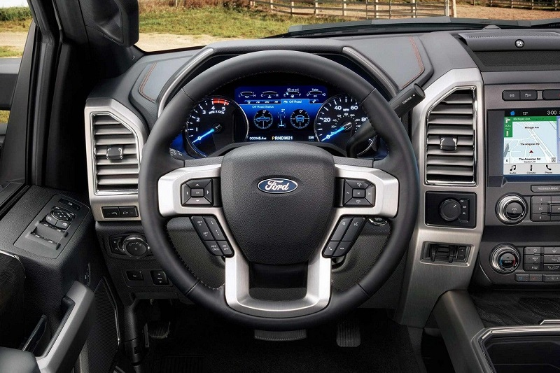 Bettendorf IA - 2019 Ford Super Duty Interior