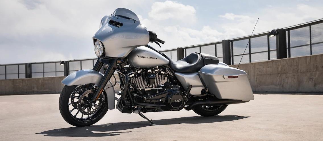 Performance 2019 Harley-Davidson Street Glide Special near Washington DC