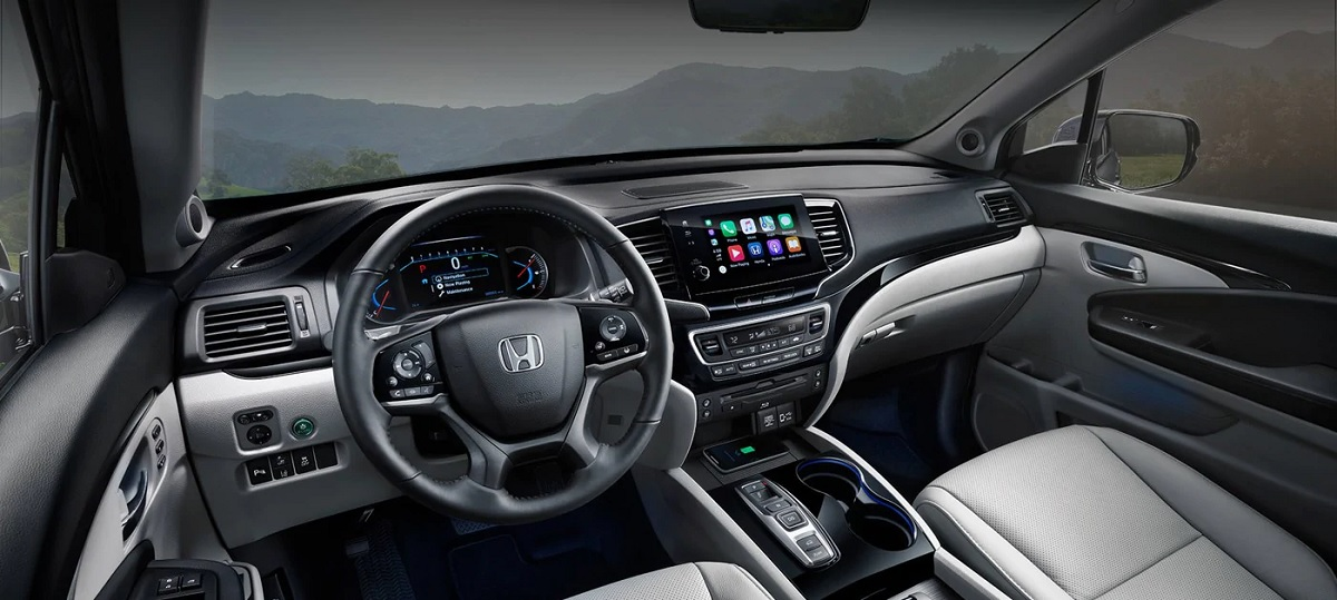 Interior - 2019 Honda Pilot near Davenport Iowa