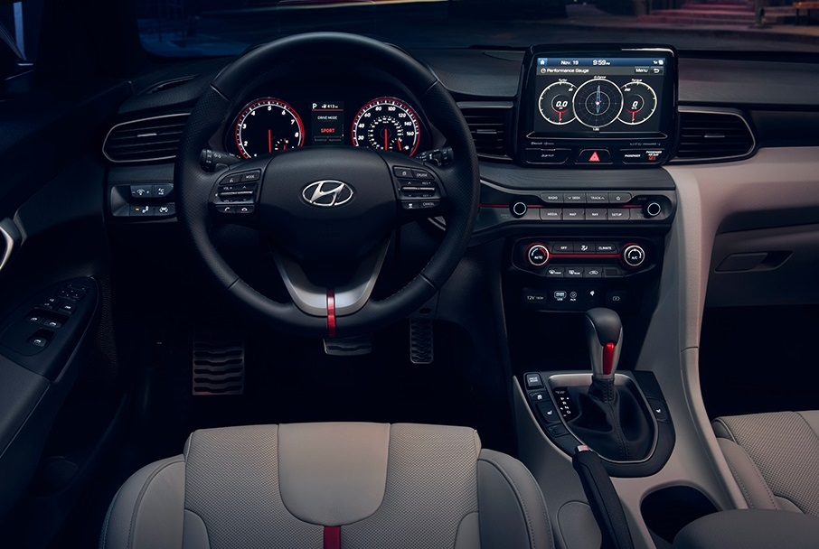 Michigan REVIEW - 2019 Hyundai Veloster's Interior