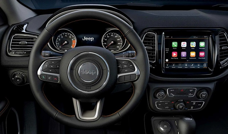 Clinton IA - 2019 Jeep Compass Interior
