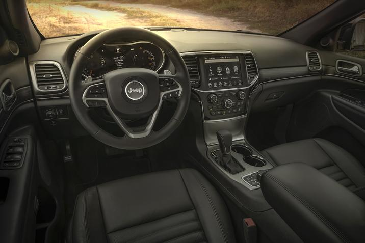 Maquoketa IA - 2019 Jeep Grand Cherokee's Interior