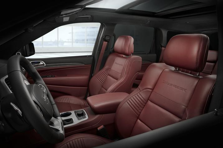 Dubuque Iowa - 2019 Jeep Grand Cherokee Interior