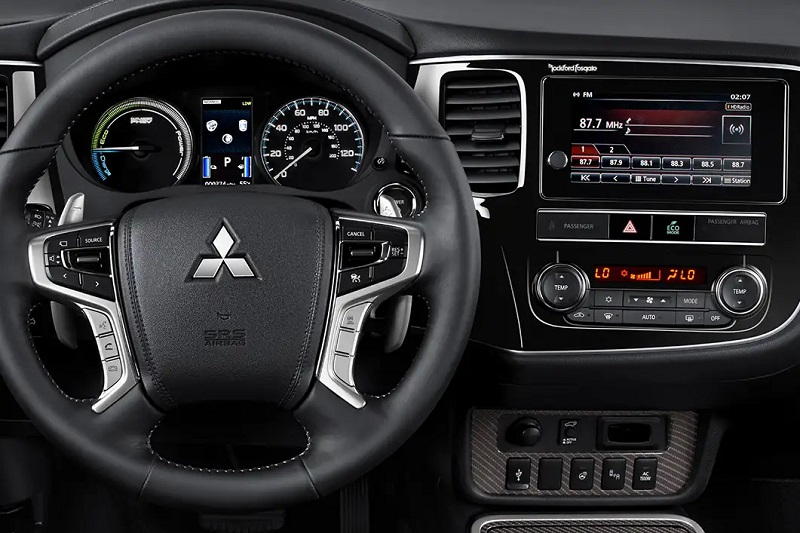 Thornton Colorado - 2019 Mitsubishi Outlander PHEV's Interior