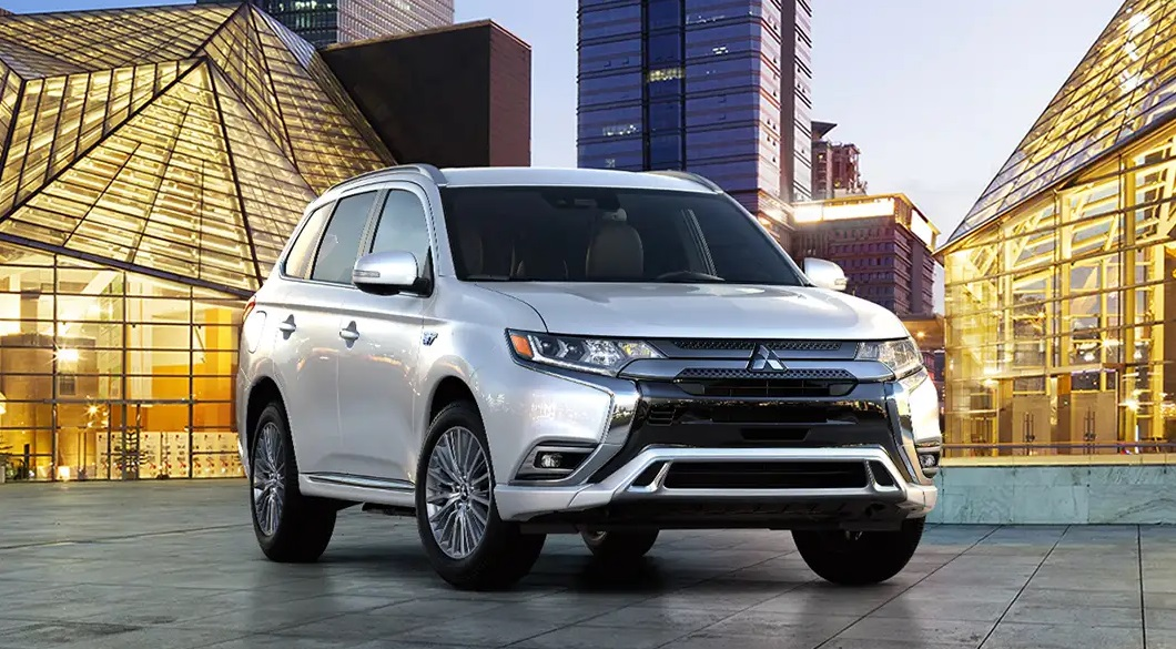 2019 Mitsubishi Outlander PHEV Lease and Specials in Thornton Colorado