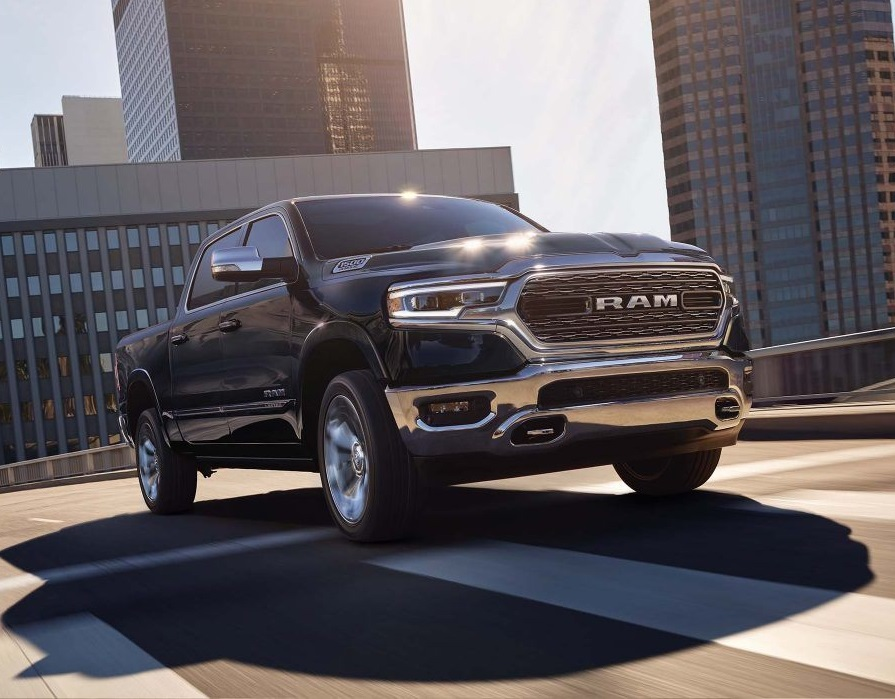 Fort Wayne IN - 2019 RAM 1500's Exterior