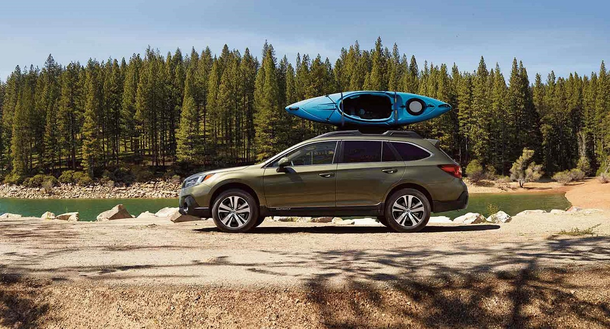 Research 2020 Subaru Outback near Detroit Michigan