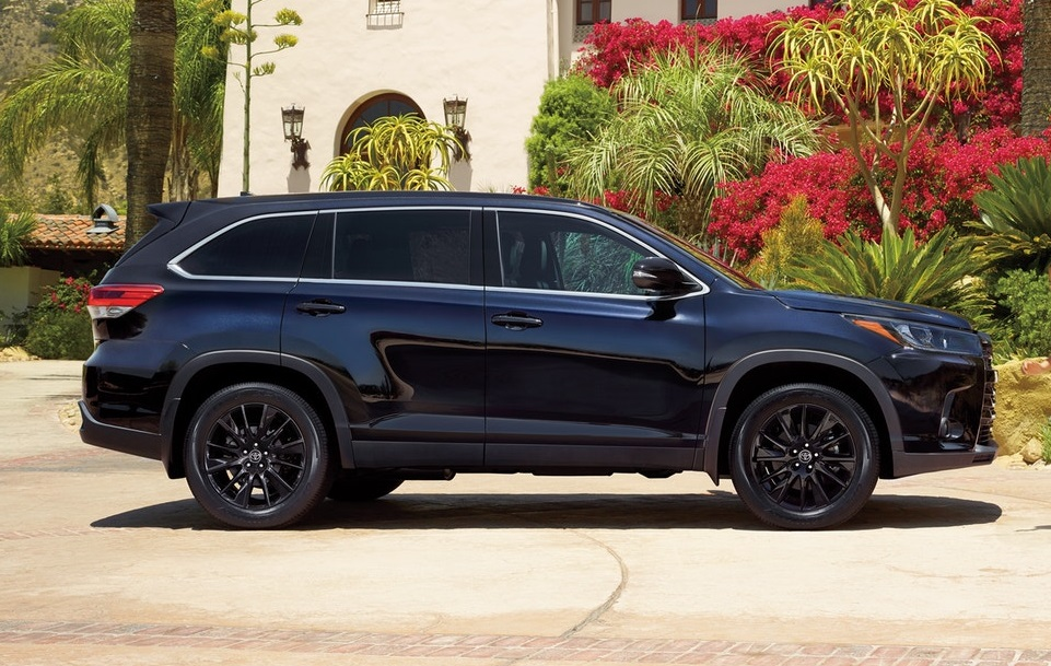 North Kingstown Rhode Island - 2019 Toyota Highlander's Exterior