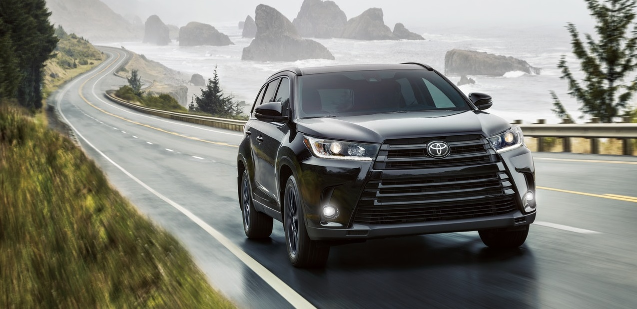 2019 Toyota Highlander lease and specials in North Kingstown Rhode Island