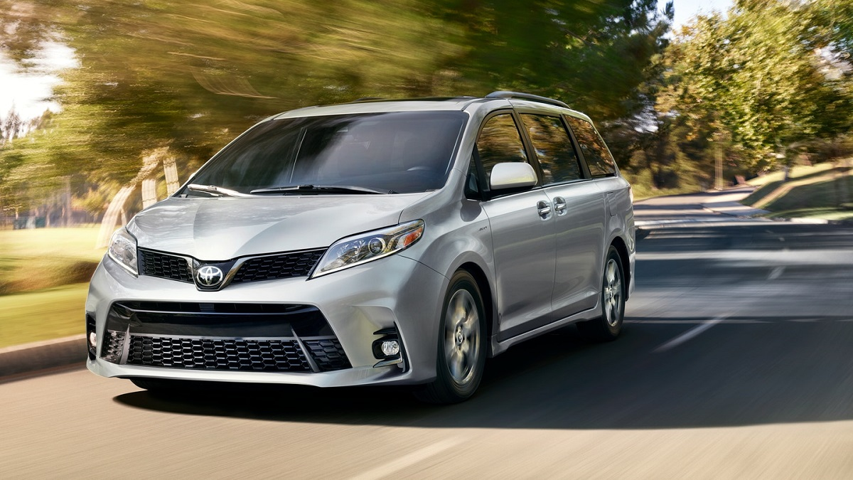 Toyota dealer serving Newport RI - 2019 Toyota Sienna