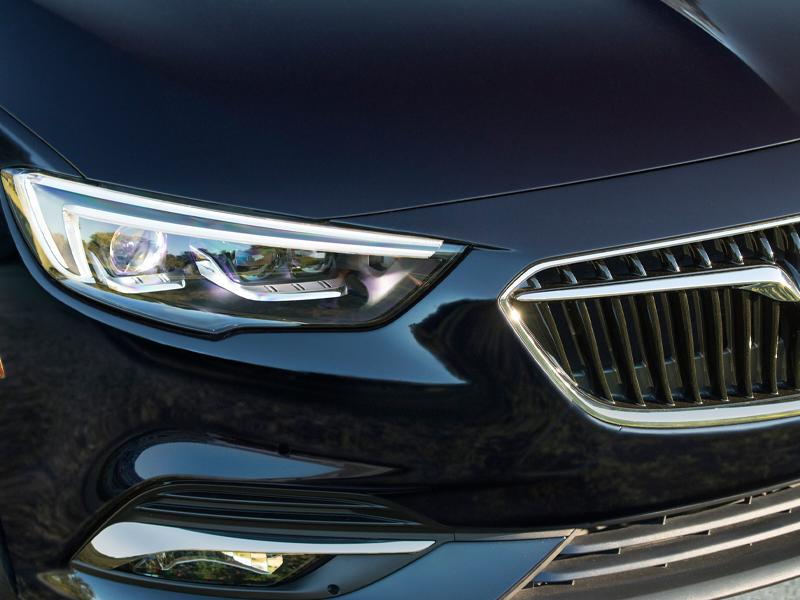 Maquoketa IA - 2020 Buick Regal Sportback Overview