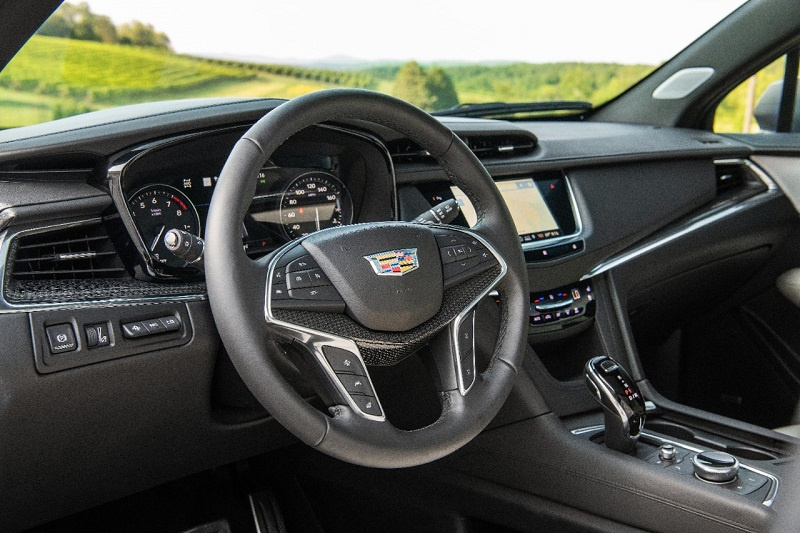 Maquoketa IA - 2020 Cadillac XT5 Interior