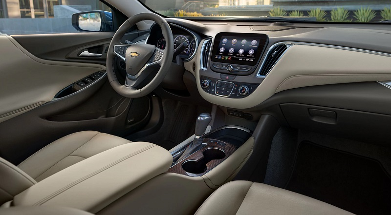 Dubuque IA - 2020 Chevrolet Malibu Interior