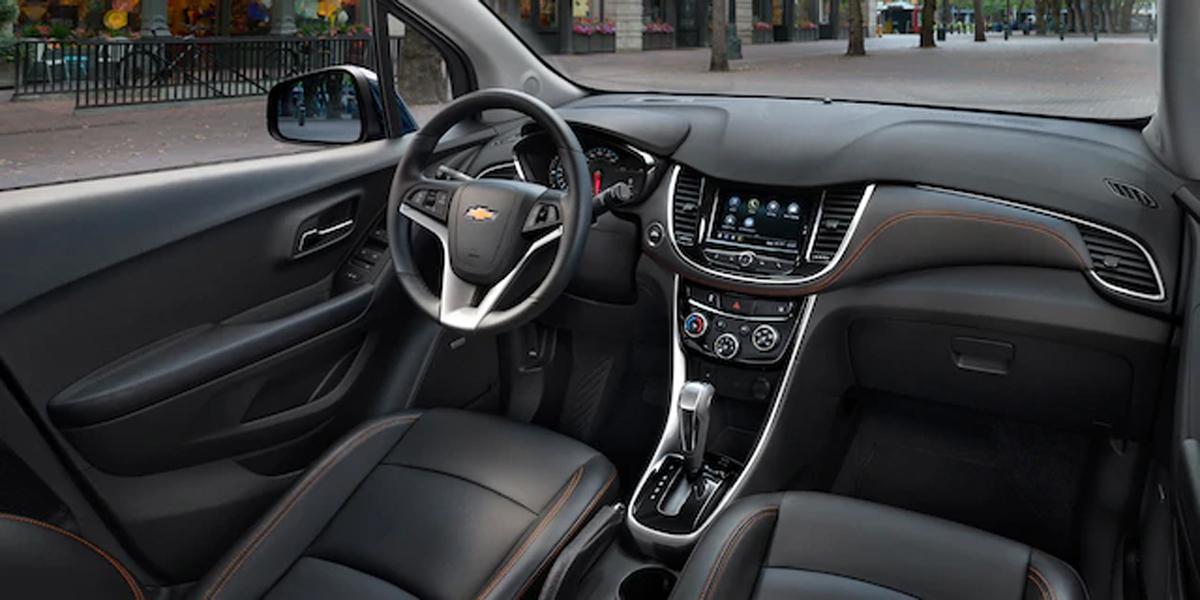 Dubuque IA - 2020 Chevrolet Trax Interior