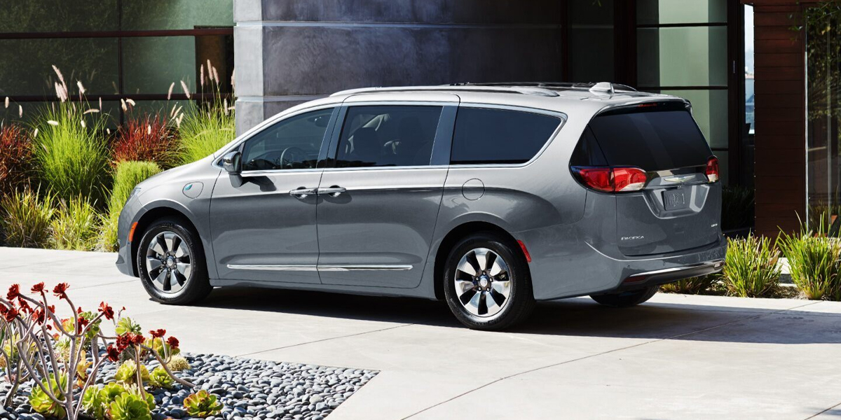 City of Industry CA - 2020 Chrysler Pacifica's Exterior
